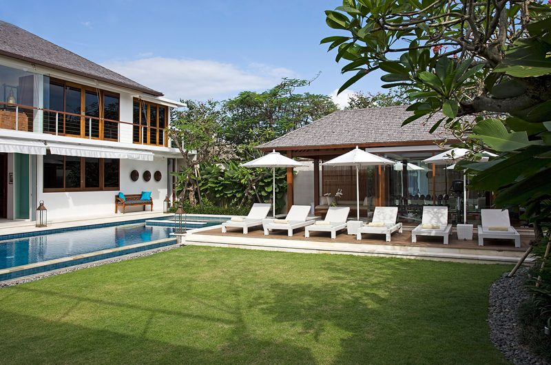 Villa Cendrawasih Reclining Sun Loungers, Petitenget | 5 Bedroom Villas Bali