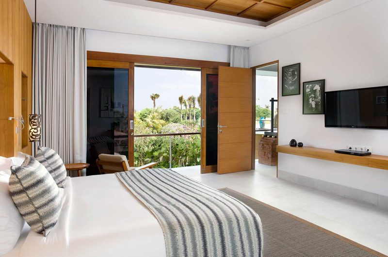 Villa Cendrawasih Bedroom with TV, Petitenget | 5 Bedroom Villas Bali