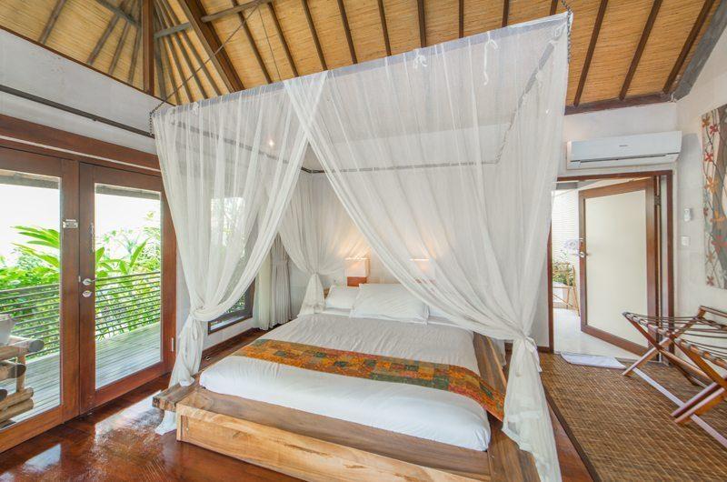 Villa Coraffan Bedroom with Balcony, Canggu | 5 Bedroom Villas Bali