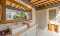 Villa Coraffan His and Hers Bathroom, Canggu | 5 Bedroom Villas Bali