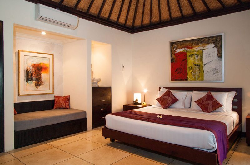 Villa Dewata ii Bedroom with Seating Area, Seminyak | 5 Bedroom Villas Bali