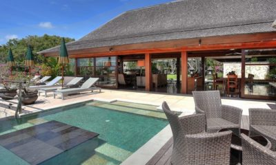 Villa Indah Manis Pool Side Seating Area, Uluwatu | 5 Bedroom Villas Bali