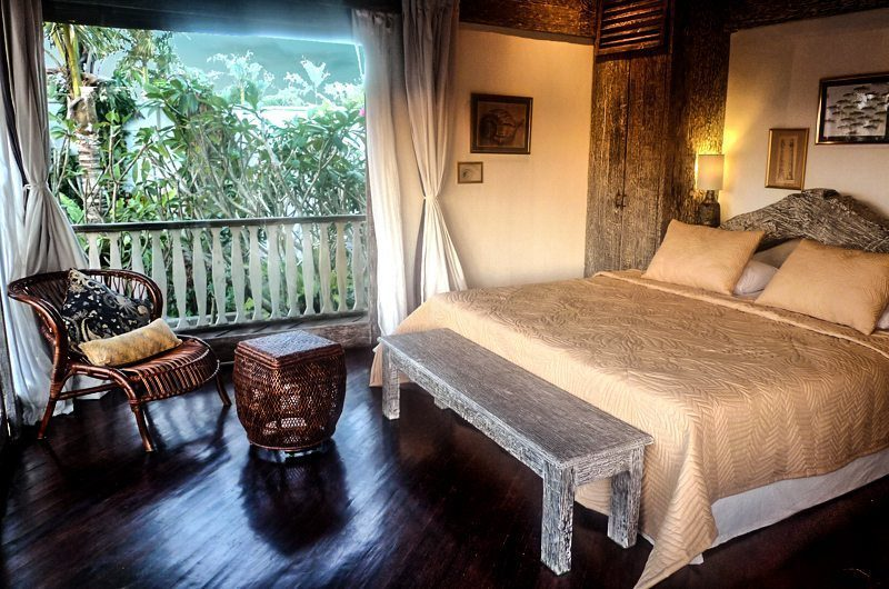 Villa Jempiring Bedroom with Wooden Floor, Seminyak | 5 Bedroom Villas Bali