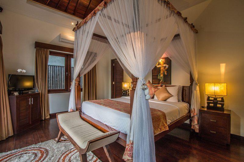 Villa Kalimaya Four Poster Bed, Seminyak | 5 Bedroom Villas Bali