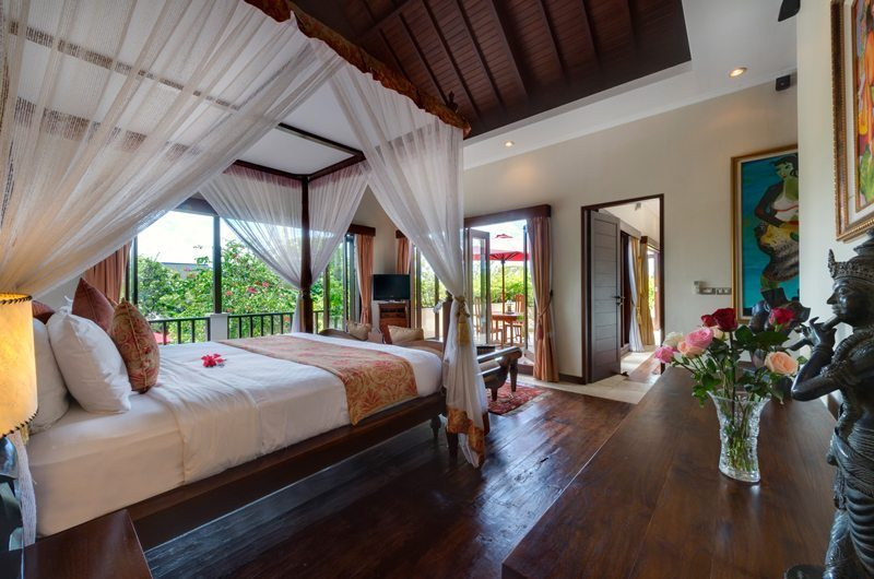 Villa Kalimaya Bedroom with Wooden Floor, Seminyak | 5 Bedroom Villas Bali