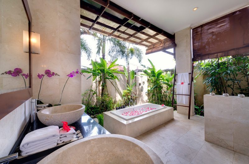 Villa Kalimaya Romantic Bathtub Set Up, Seminyak | 5 Bedroom Villas Bali