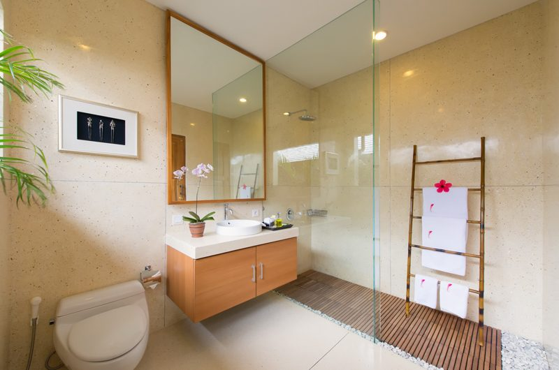 Villa Kinara Bathroom with Shower, Seminyak | 5 Bedroom Villas Bali