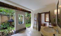 Villa Maridadi En-Suite Bathroom, Seseh | 5 Bedroom Villas Bali