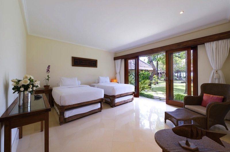 Villa Maridadi Twin Bedroom with Garden View, Seseh | 5 Bedroom Villas Bali