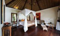 Villa Maridadi Bedroom with Seating Area, Seseh | 5 Bedroom Villas Bali