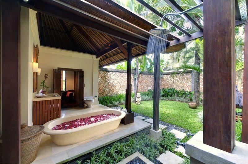 Villa Maridadi Semi Open Bathtub, Seseh | 5 Bedroom Villas Bali