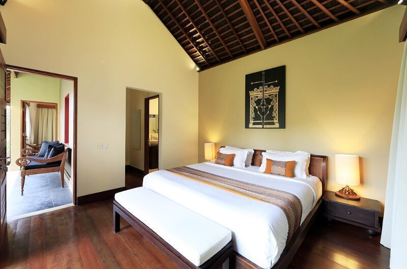 Villa M Bali Seminyak Bedroom with Table Lamps, Petitenget | 5 Bedroom Villas Bali
