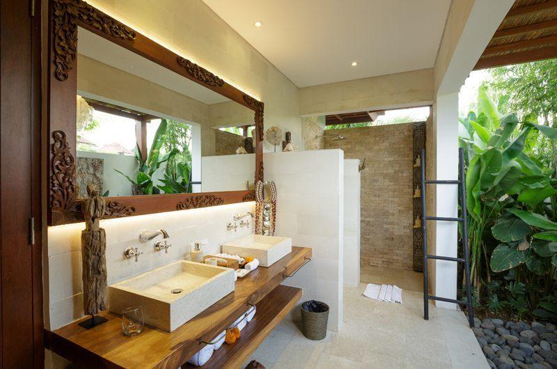 Villa Naty Bathroom with Shower, Umalas   5 Bedroom Villas Bali