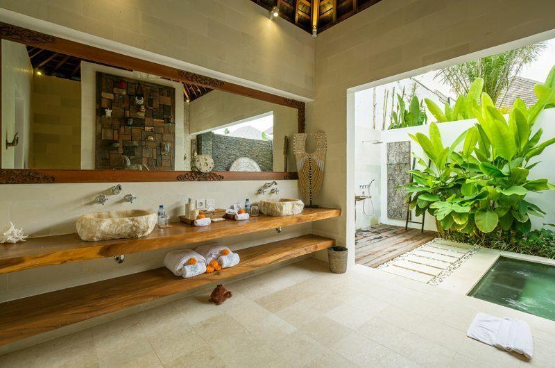 Villa Naty His and Hers Bathroom, Umalas   5 Bedroom Villas Bali