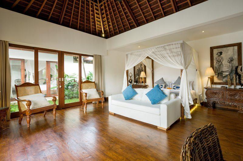 Villa Naty Bedroom with Seating Area, Umalas   5 Bedroom Villas Bali
