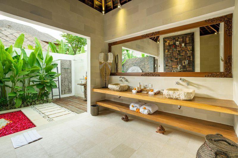 Villa Naty Romantic Bathtub Set Up, Umalas | 5 Bedroom Villas Bali