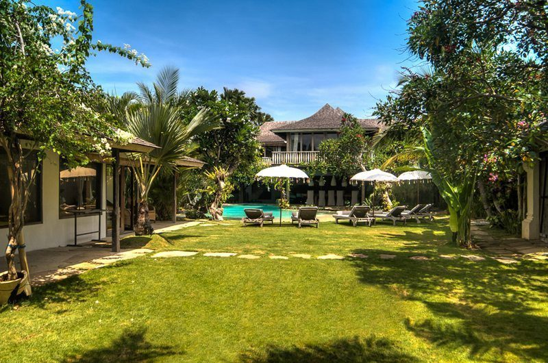 Villa Phinisi Gardens and Pool, Seminyak | 5 Bedroom Villas Bali