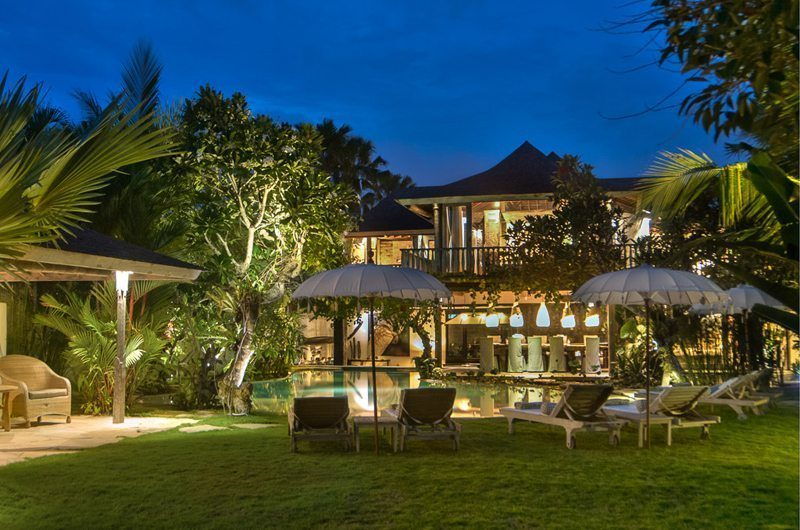 Villa Phinisi Night View, Seminyak | 5 Bedroom Villas Bali