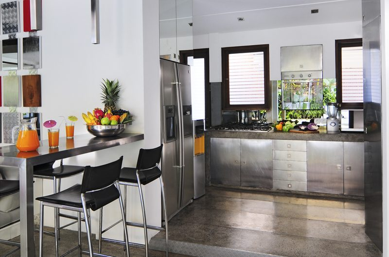 Villa Sabtu Kitchen and Dining Area, Seminyak | 5 Bedroom Villas Bali