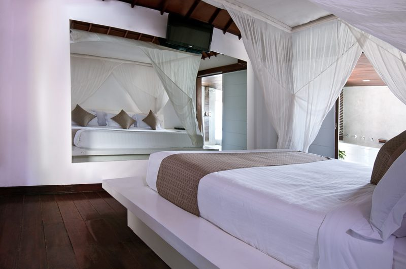 Villa Sabtu Bedroom with Wooden Floor, Seminyak | 5 Bedroom Villas Bali