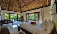 Villa Samadhana Spacious Bedroom with Garden View, Sanur | 5 Bedroom Villas Bali
