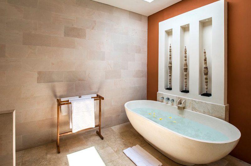 Villa Tiga Puluh Bathtub, Seminyak | 5 Bedroom Villas Bali