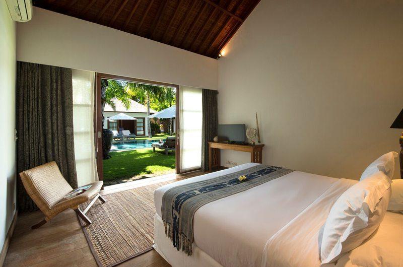 Villa Tiga Puluh Bedroom with TV, Seminyak | 5 Bedroom Villas Bali