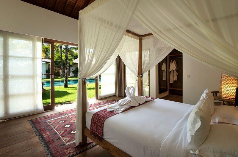 Villa Tiga Puluh Bedroom with Wooden Floor, Seminyak | 5 Bedroom Villas Bali