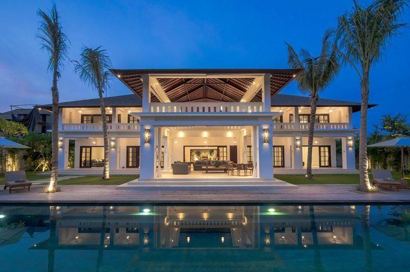 Villa Tjitrap Night View, Seminyak | 5 Bedroom Villas Bali