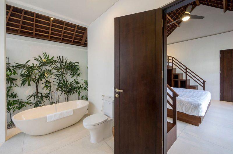 Villa Tjitrap Bedroom with En-Suite Bathroom, Seminyak | 5 Bedroom Villas Bali