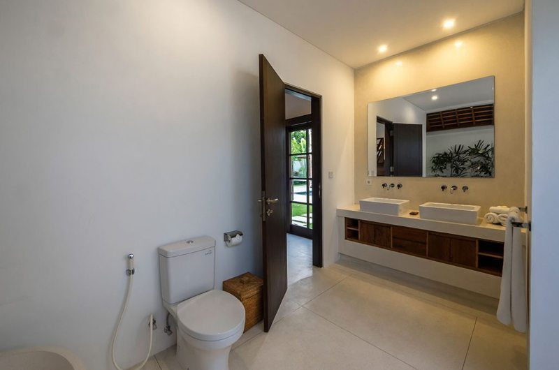 Villa Tjitrap His and Hers Bathroom, Seminyak | 5 Bedroom Villas Bali