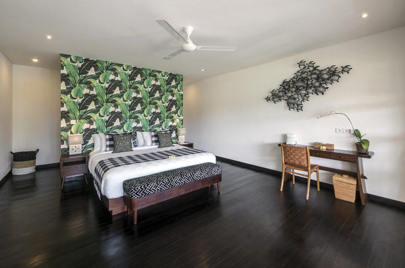 Villa Tjitrap Bedroom with Study Table, Seminyak | 5 Bedroom Villas Bali