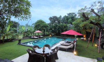 Umah Di Sawah Pool Side Seating Area, Canggu | 5 Bedroom Villas Bali