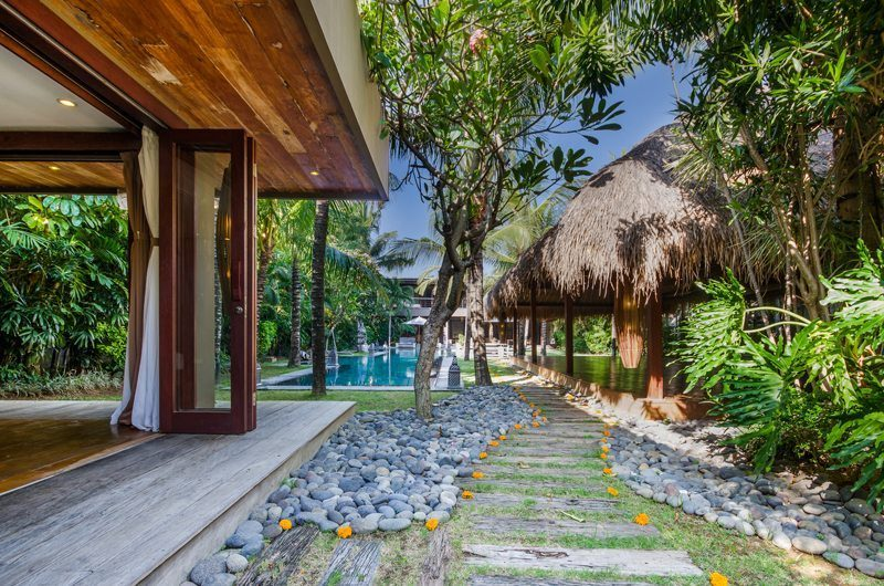 Villa Yoga Gardens and Pool, Seminyak | 5 Bedroom Villas Bali