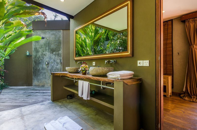 Villa Yoga His and Hers Bathroom, Seminyak | 5 Bedroom Villas Bali
