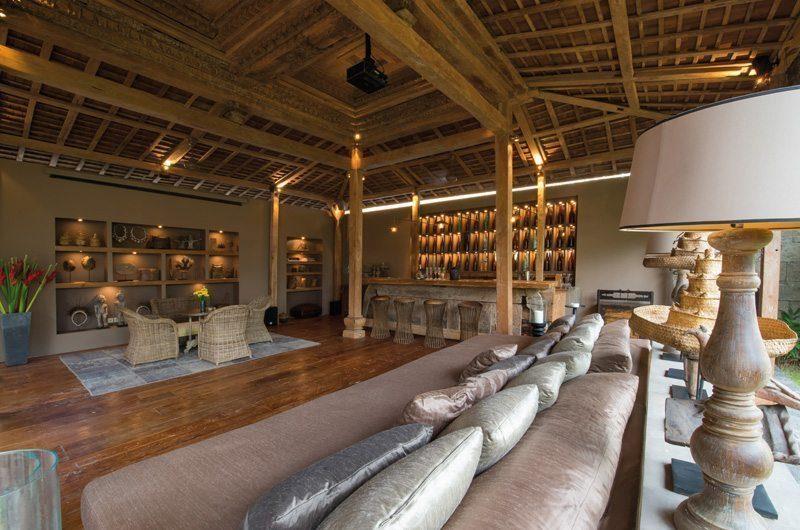 Villa Zelie Living and Dining Area, Canggu | 5 Bedroom Villas Bali