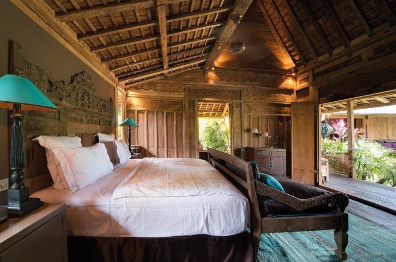 Villa Zelie Bedroom with Sofa, Canggu | 5 Bedroom Villas Bali